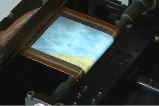 Sony створила дисплей, що згортається в трубочку