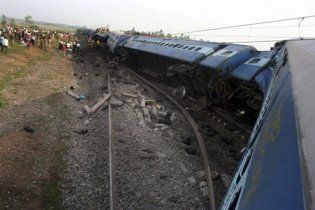 Кількість жертв теракту на індійській залізниці перевищила сто людей