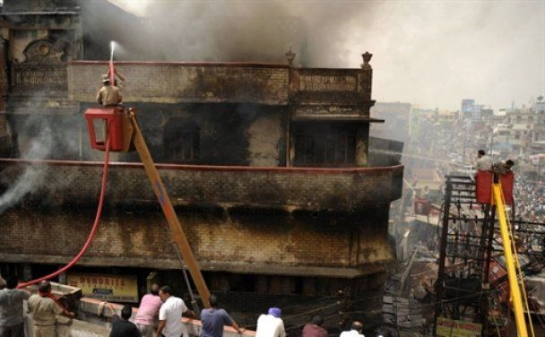 Количество жертв теракта на железной дороге в Индии увеличилось до 90 человек