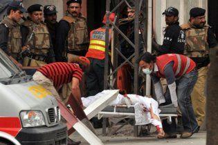 Спецназ занял обе мечети, захваченные в Лахоре