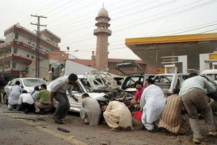 Поліція Пакистану звільнила другу мечеть в Лахорі, тривають пошуки терористів