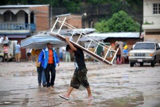 Потужний тропічний шторм забрав 90 життів у Центральній Америці