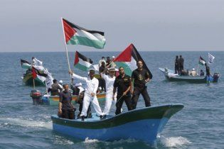 """Ізраїльський солдат розграбував судно з """"Флотилії свободи"""""""
