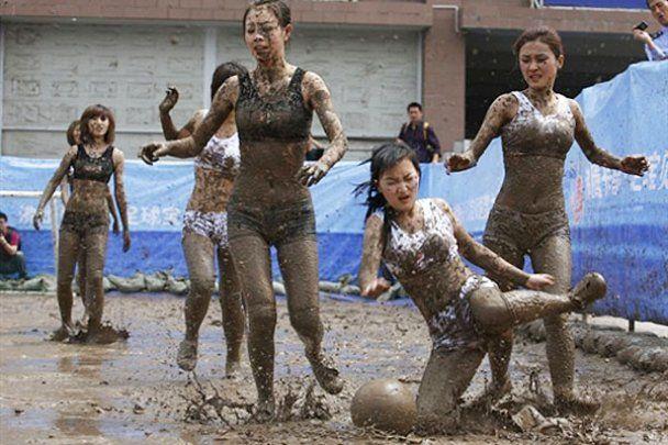 Брудний жіночий футбол у Китаї