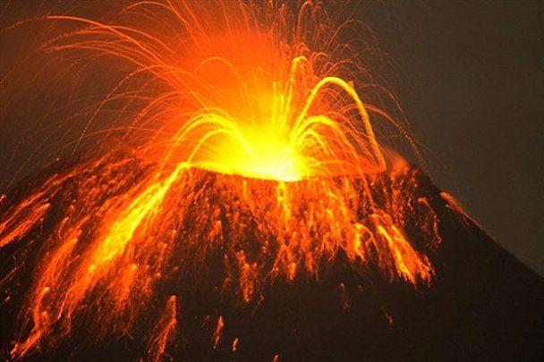 Виверження двох вулканів у Латинській Америці