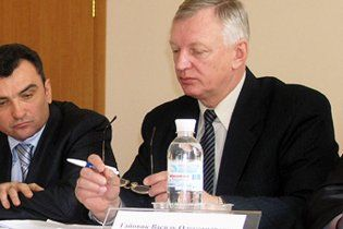Кабмин уволил заместителя министра, задержанного за взятку