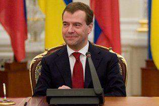 """Американський журналіст змусив Мєдвєдєва """"нервово розсміятися"""""""