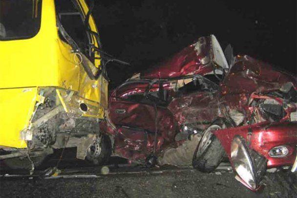 В Криму автобус потрапив в ДТП: 1 загиблий і 6 поранених