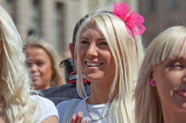 В мире отметили Международный день блондинок