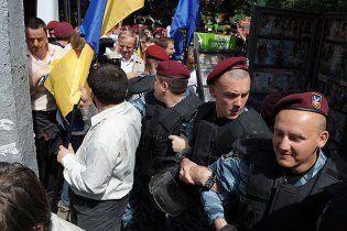 Могилев: милиция не давит на оппозицию и действует законно