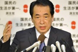 Японский премьер избежал вотума недоверия, но пообещал уйти сам