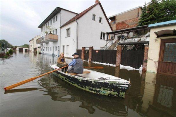 У Словаччині та Хорватії введено режим НС, Австрія готується до удару стихії