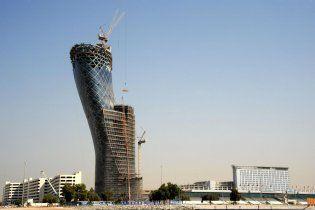 В ОАЕ побудують найбільш нахилену вежу в світі