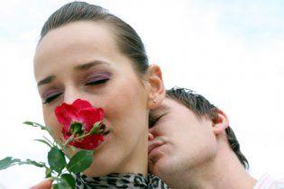 Дослідження: чоловіки закохуються у шість разів швидше, ніж жінки
