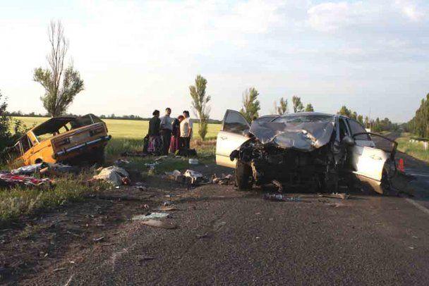 У ДТП на Донеччині загинуло 6 людей
