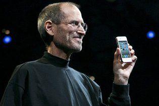 HTC требует запретить продажу iРhone в США