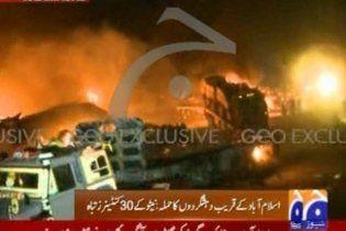 Бойовики напали на конвой НАТО в Пакистані: вісім людей загинуло
