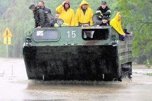 Вісла вийшла з берегів: Варшаві загрожує затоплення