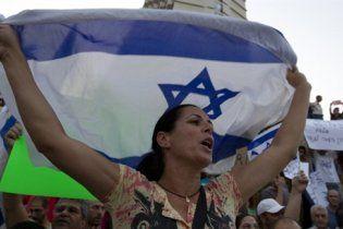 Ізраїль дозволив ввозити до сектора Газа солодощі