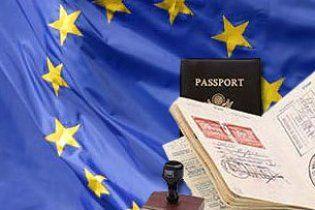 Янукович ждет план по безвизовому режиму с ЕС через месяц