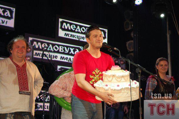 """""""ТіК"""" продал киевскому поклоннику вилы за 1520 гривен"""