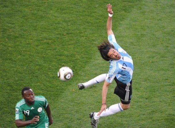 Аргентина розпочала чемпіонат світу зі скромної перемоги (відео)