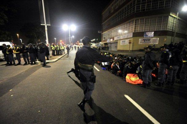 Поліція ПАР газом та кулями розігнала мирну акцію на ЧС-2010