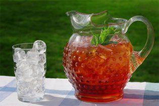 Диетологи назвали лучший напиток для утоления жажды в летний зной