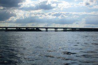 В Днепродзержинске из-за жары закрыли мост через Днепр