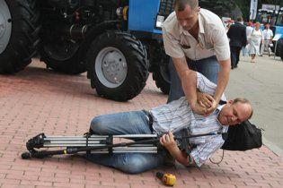 Избитый охраной Януковича журналист обжаловал действия прокуратуры