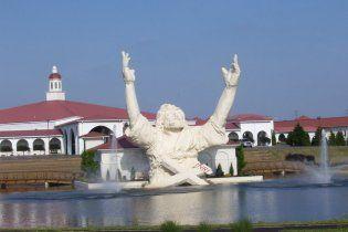 20-метрову статую Христа в США знищила блискавка (відео)