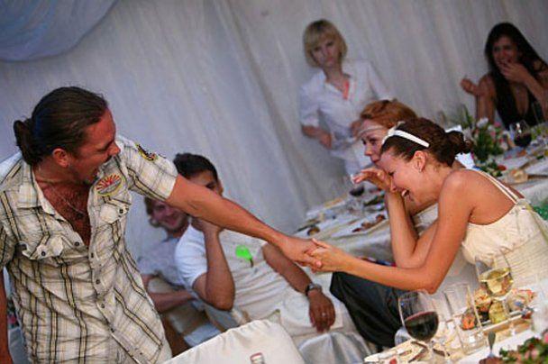 Інні Цимбалюк на день народження подарували вантуз