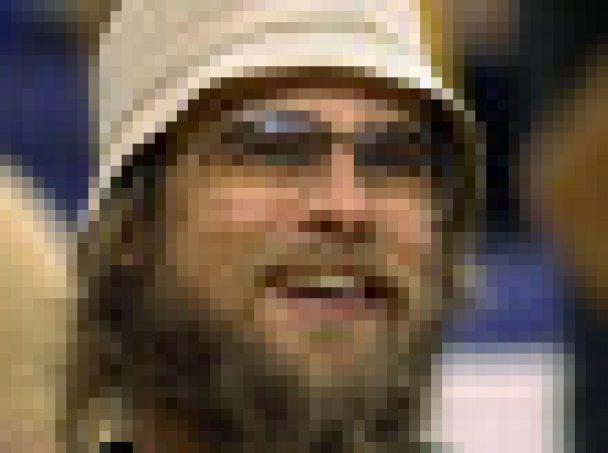 Брэд Питт под бородой прячет морщины