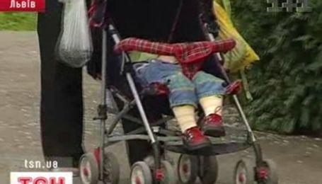 Пьяная женщина-водитель сбила коляску с ребенком