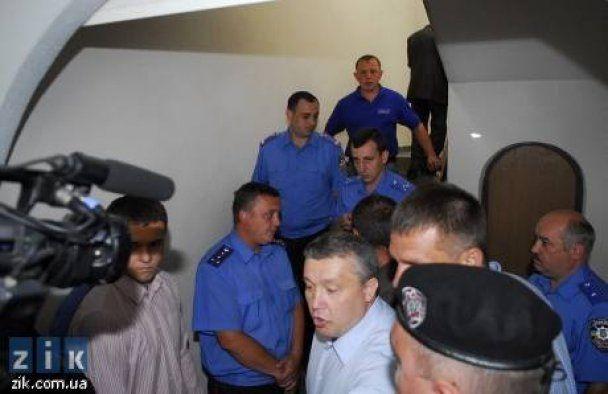 """""""Львівський холодокомбінат"""" зайняли озброєні податківці"""