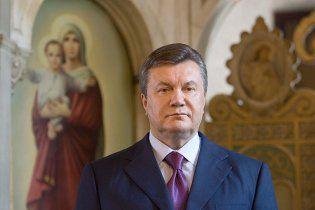 Янукович попросил Генпрокуратуру заняться зерном