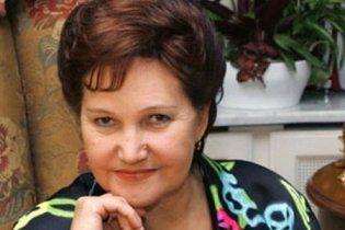 Янукович наградил орденом жену Кучмы