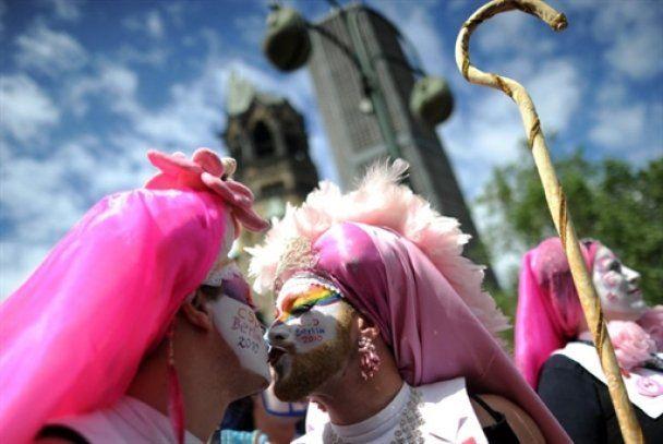 У Берліні пройшло свято геїв та лесбіянок