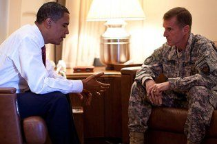 """Командувач військ НАТО, який """"повстав"""" проти Обами, подав у відставку"""