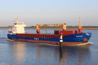 На Кіпрі затримано судно з українцями, яке перевозило танки і вибухівку