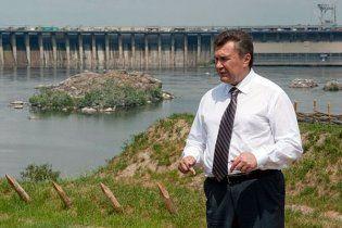 Янукович відмовиться від Алтаю на користь Криму