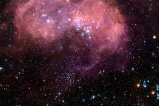 """Телескоп """"Хаббл"""" сфотографував космічну """"солодку вату"""""""