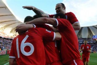 Англия со второго места вышла в 1/8 финала