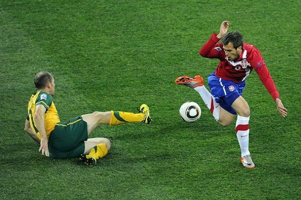 ЧМ-2010. Австралия и Сербия пакуют чемоданы (видео)