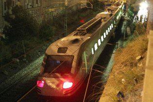 В Испании поезд врезался в праздничную толпу: 12 человек погибли