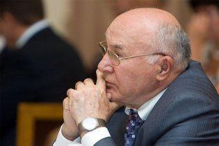 Янукович предложил увеличить срок полномочий главы НБУ Стельмаха