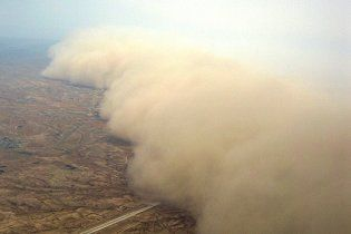 В Иране объявлено чрезвычайное состояние из-за песчаной бури