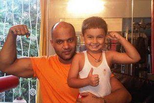 4-річний хлопчик з Індії зробив 1 500 віджимань за 40 хвилин (відео)