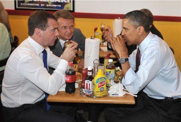 Обама повів Мєдвєдєва у закусочну