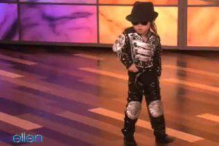 У Китаї з'явився свій чотирирічний Майкл Джексон